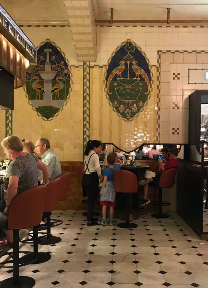 diners-at-the-grill-harrods
