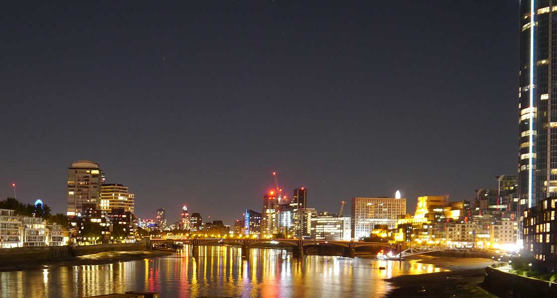 Night shot Vauxhall bridge