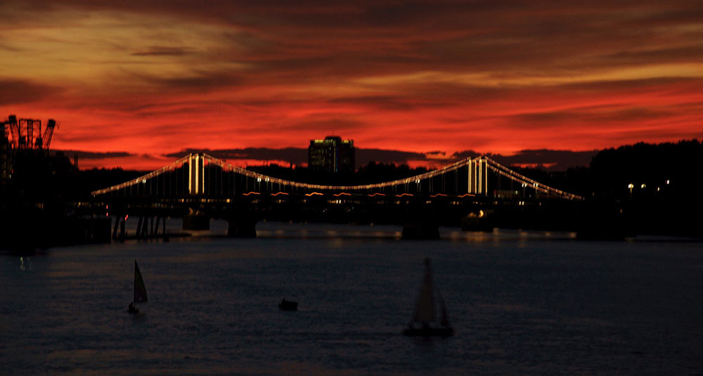 Sunset_Chelsea_Bridge_London