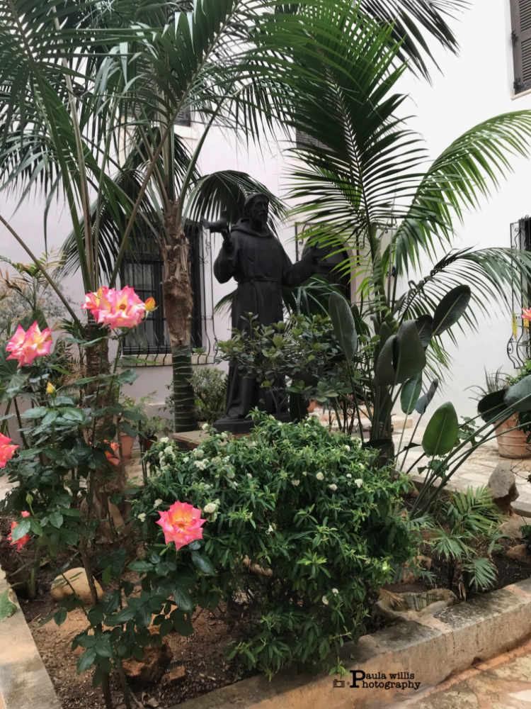 st-francis-of-assisi-in-garden-crete