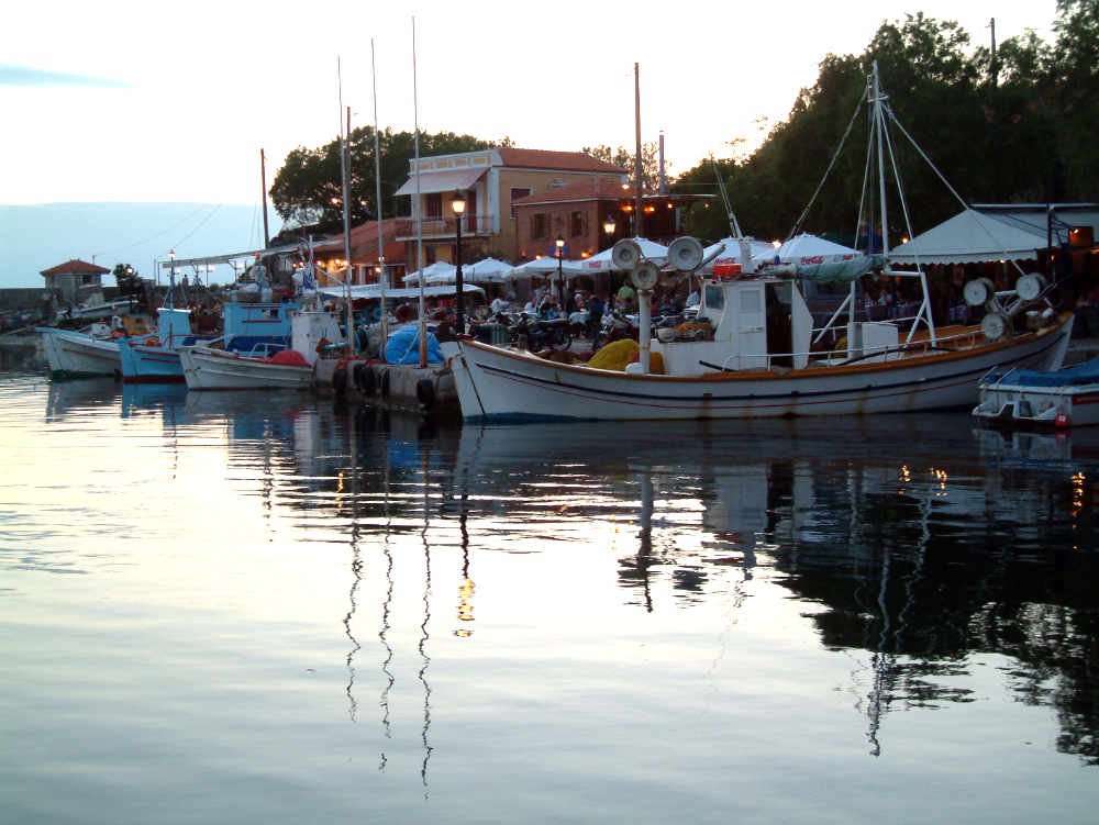 greece-lesbos-boats-in-harbour